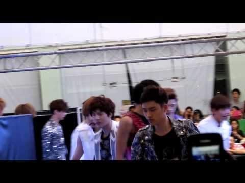 [FANCAM]280712 EXO-History Mini LIve in Thialand @Siam Discovery