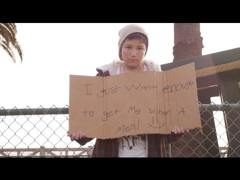 Que farias se visses uma criança a pedir esmola para irmã? PÉSSIMAS reacções dos americanos!!