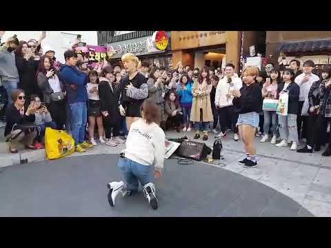 [K-pop] 레드크루가 청하님과 함께?! 청하 - 롤러코스터(Roller Coaster) 버스킹
