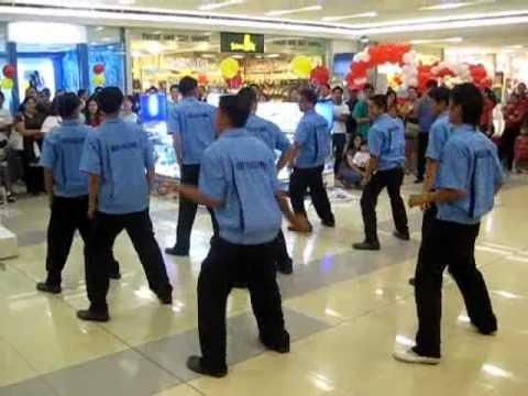 SM City Tarlac Dancing Janitors