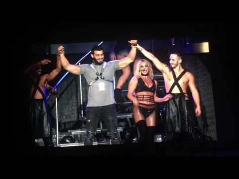 Britney Spears Live in Taiwan taipei freaks show ft Sam boyfriend