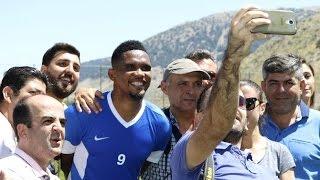Selfie mit den Fans: Eto'o nimmt Training in Antalya auf