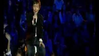 Troye Sivan - Telethon Performance '06