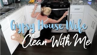 Gypsy Housewife Clean With Me | Grove Collaborative Product Testing