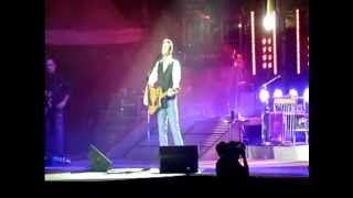 Blake Shelton in concert (at Milwaukee Fair) Milwaukee, Wisconsin 8/10/2011