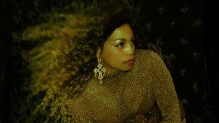 Zaina Juliette - Moment