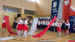 Występ klas IIA i IIB z okazji święta niepodległości listopad 2018