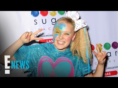 """JoJo Siwa Comes Out By Wearing """"Best Gay Cousin"""" T-Shirt"""