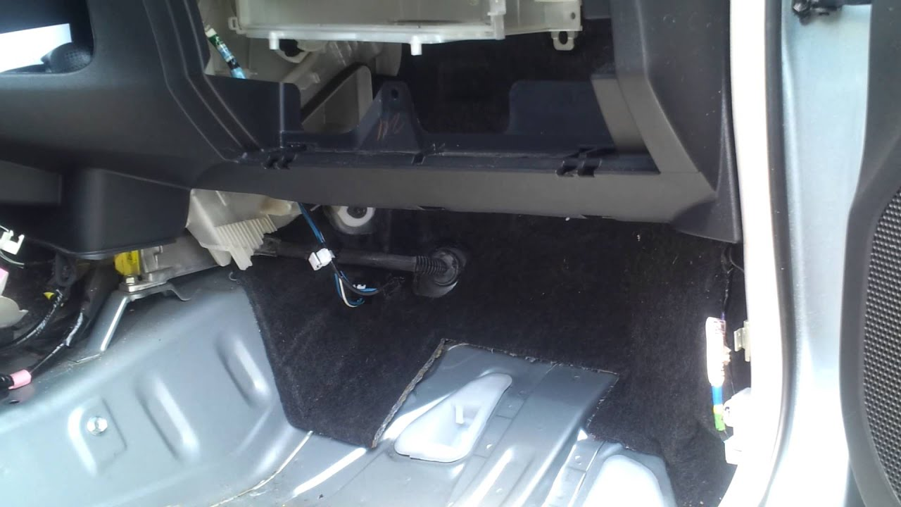 Toyota Yaris A C Leaking Water Inside Cabin 2 Youtube