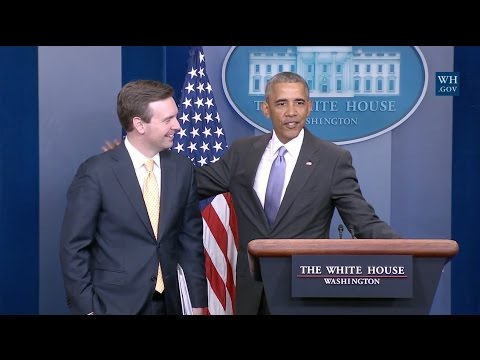 Obama Makes Surprise Visit During Final White House Press Briefing