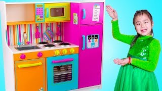 Jannie Pretend Play Cooking Food Challenges with Giant Kitchen Toy