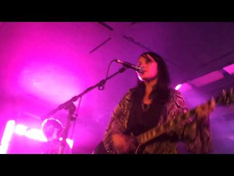 Howling Bells - The Faith@Glasgow Oran Mor
