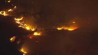 LIVE: Rapidly-growing Sylmar brush fire threatens homes, power lines I ABC7