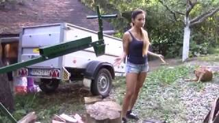 Manually powered mechanical axe