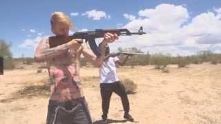 Machine Gun Kelly - Rolling Stone (ft. Earl St. Clair) |MUSIC VIDEO|