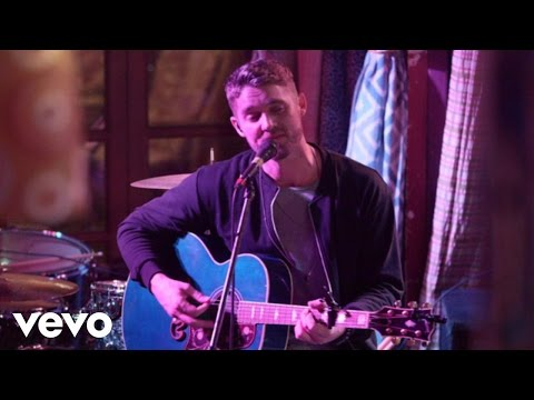 Brett Young - In Case You Didn't Know (Live Acoustic)