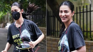 Actress Shruti Haasan spotted jogging in Hyderabad, viral ..