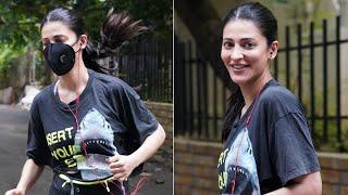 Actress Shruti Haasan spotted jogging in Hyderabad, viral ..
