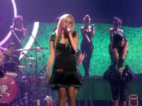 Avril Lavigne - Hot (HQ - Live in Munich)