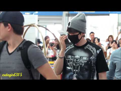 (Fancam) 140621 Super Junior at incheon airport to taiwan( Ryeowook and Eunhyuk focus)