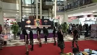 Dance Video: 1P X Starlight dance crew at Tamini Square