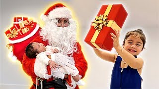 SANTA SURPRISES ELLE AND ALAÏA WITH SECRET CHRISTMAS GIFTS!!!