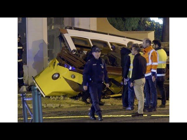 葡輕軌電車衝出軌道翻覆 28人輕傷送醫
