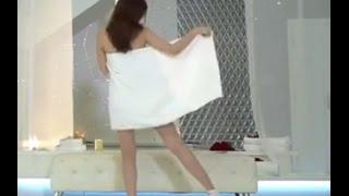 Ngọc Trinh quấn khăn Live Stream và dạy mọi người nhảy NudeDance ngày 12/11/2016