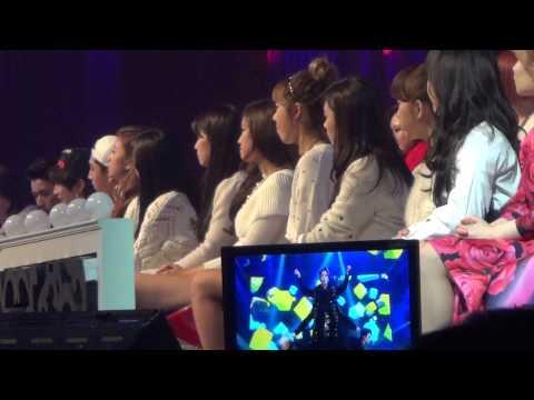 20131229 A-PINK Watching EXO & SHINee @ SBS Gayo Daejun