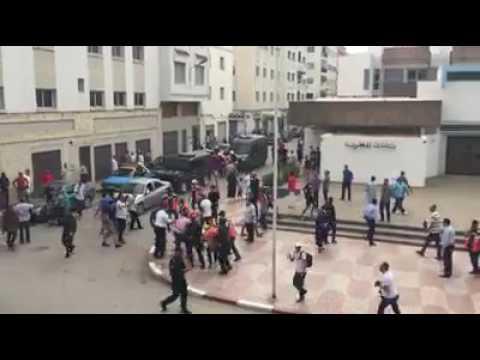 لحظة اعتقال مواطن في الحسيمة