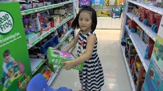 Gia Linh và chị Silent Sea đến MYKINGDOM Vương quốc đồ chơi trẻ em