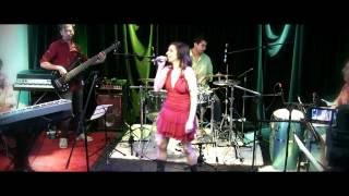 Bekijk video 3 van Batuque Brasil op YouTube