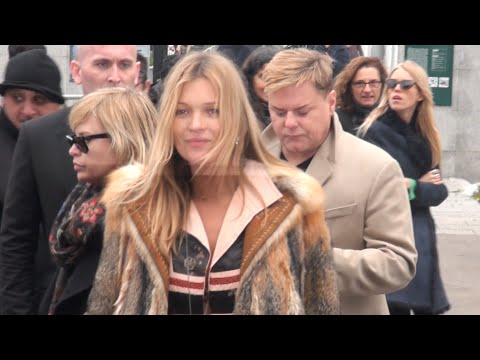 Fashion Week Paris 2015-2016 EXIT VUITTON