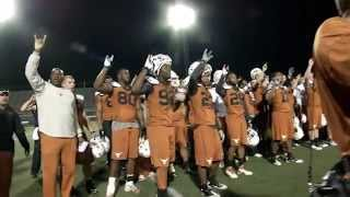 Texas Football arrives in San Antonio for Alamo Bowl prep [Dec. 24, 2012]