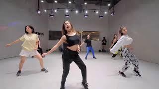 Biết Đau Nhưng Vẫn Yêu Remix - Gái Xinh Nhảy Dance
