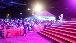 Sơn Tùng M-TP hát ở hội chợ Cần Thơ