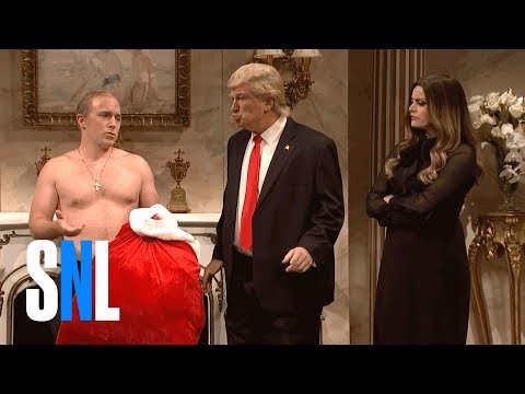 'SNL' Donald Trump, Vladimir Putin As Shirtless Santa Claus Video || Cold Open