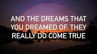 Israel Kamakawiwo'ole - Somewhere Over the Rainbow (with lyrics)