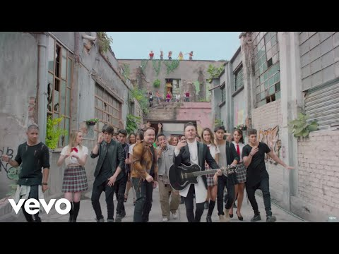 Río Roma - Princesa (Video Oficial) ft. CNCO