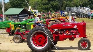 Gas Engine Show Tractor parade Farmall IHC Allis Chalmers  John Deere A