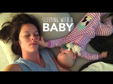 Бебето проба се за да ја разбуди мајка си за да си играат и на крај мораше да го искористи ултимативното оружје