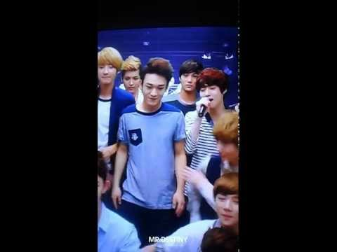 [fancam] 120810 EXO KTV - members playing around @ S.M. ART EXHIBITION