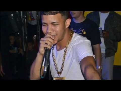 Baixar MC Magrinho - Senta em Mim Xerecão (DJ Ferrugem e DJ Puffe)