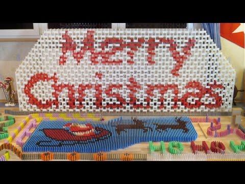 Merry Christmas in 12,500 dominoes