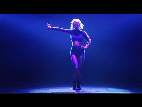 Britney Spears - Break The Ice Live From Las Vegas (Piece of Me Show)