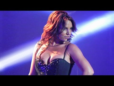 7 MINUTES of Britney Spears Slaying as a Brunette (Piece Of Me Show)