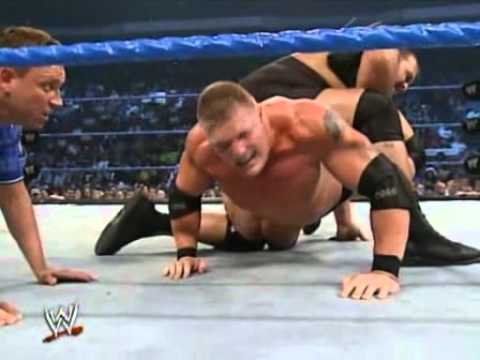 Brock Lesnar vs Big Show - le ring s\'effondre - match complet