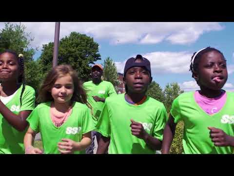 Vidéo : SSQ Groupe financier salue la persévérance des jeunes du Carrefour des enfants de Saint-Malo, qui ont relevé tout un défi en prenant part à la course du 5 km de la Santé SSQ, après s'y être préparés tout l'été!