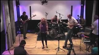 Bekijk video 1 van Fuze op YouTube