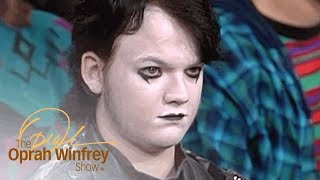 "Goth Teen Shuts Down Haters Who Think He's ""Depressing and Weird"" 